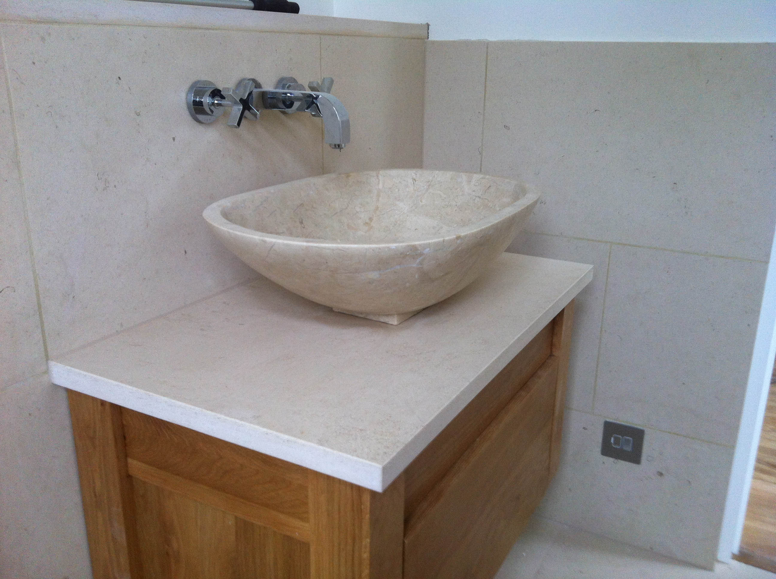moleanos limestone vanity top stroud