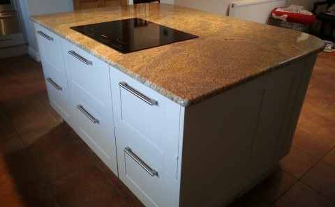 kashmir gold granite island