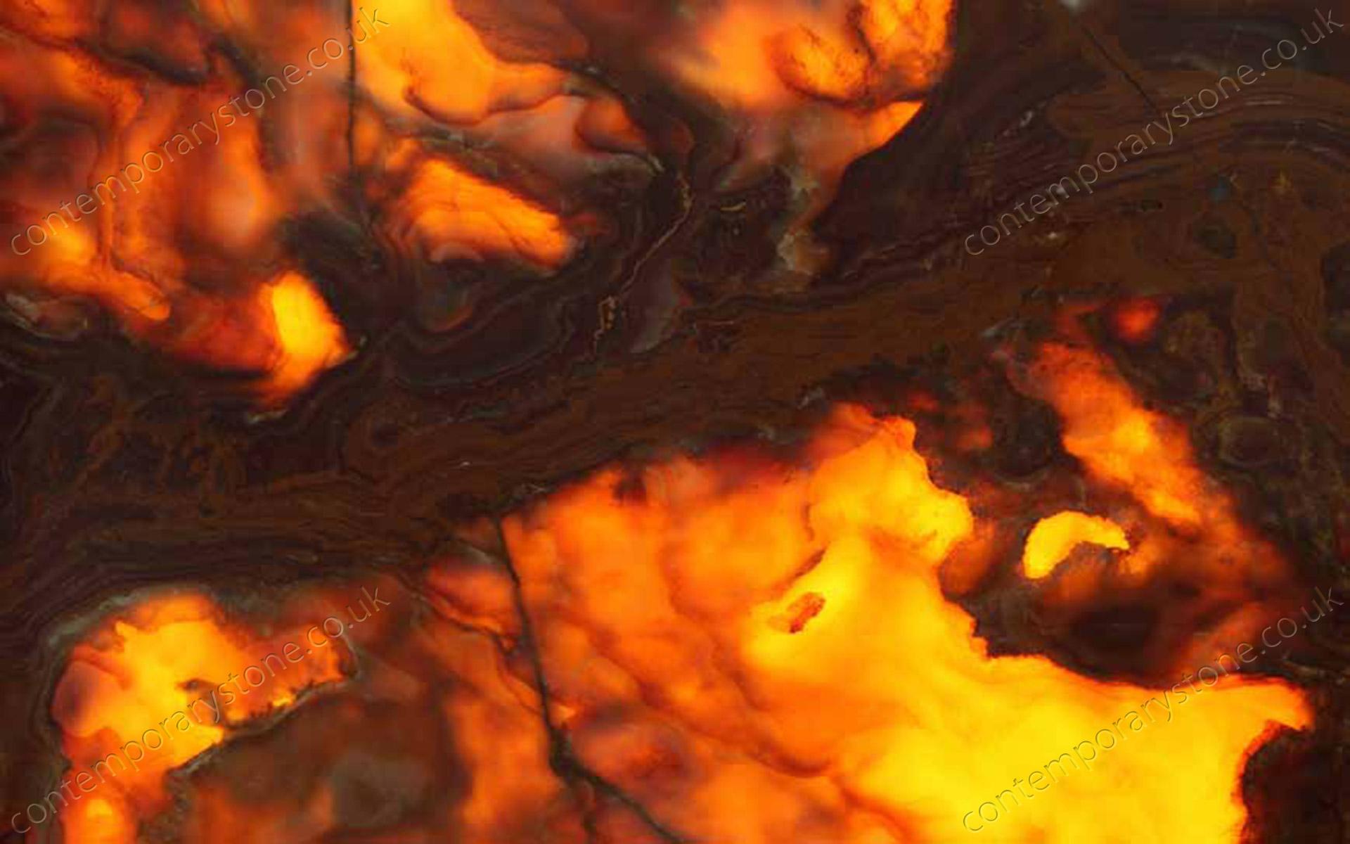 Onice Tiger cc backlight onyx close-up