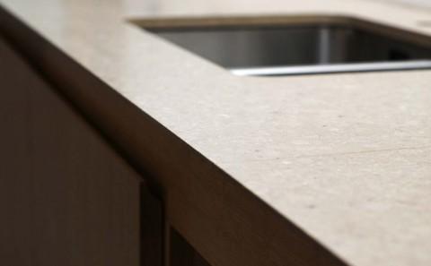 caesarstone-shitake quartz kitchen worktop - edge profile